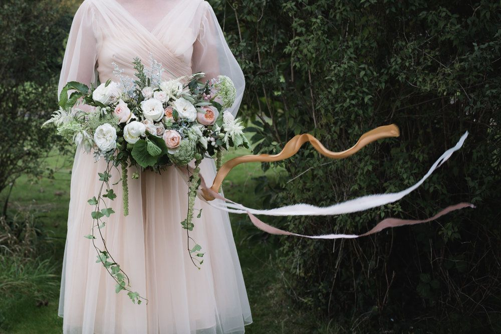 Bridal bouquet with flowing ribbons | English garden Roses. Davis Austin | English country garden.