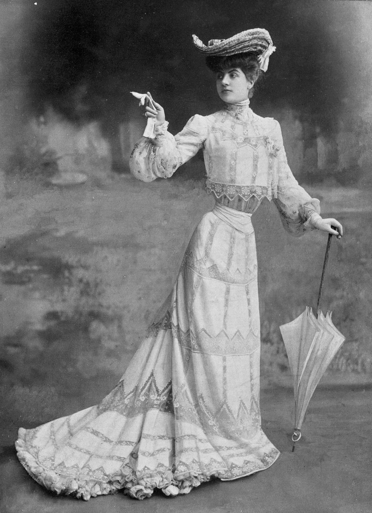 My Little Time Machine Garden Party Dress By Rouff Photo By Reutlinger Les Modes July 1902 Garden Party Dress Edwardian Fashion Victorian Fashion [ 1765 x 1280 Pixel ]