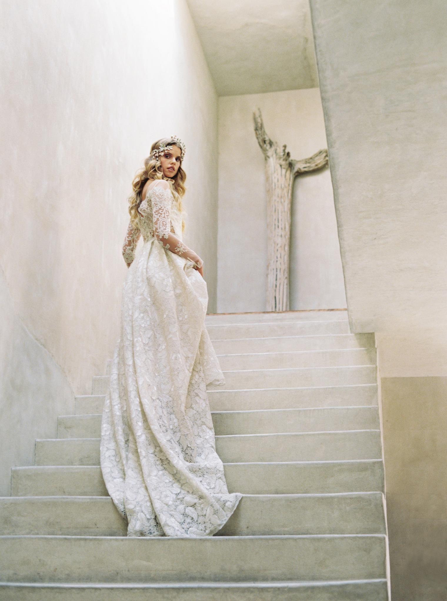 The Best Wedding Dress Boutiques Salons In Los Angeles Desert Wedding Dress Claire Pettibone Wedding Dress Wedding Dresses Los Angeles