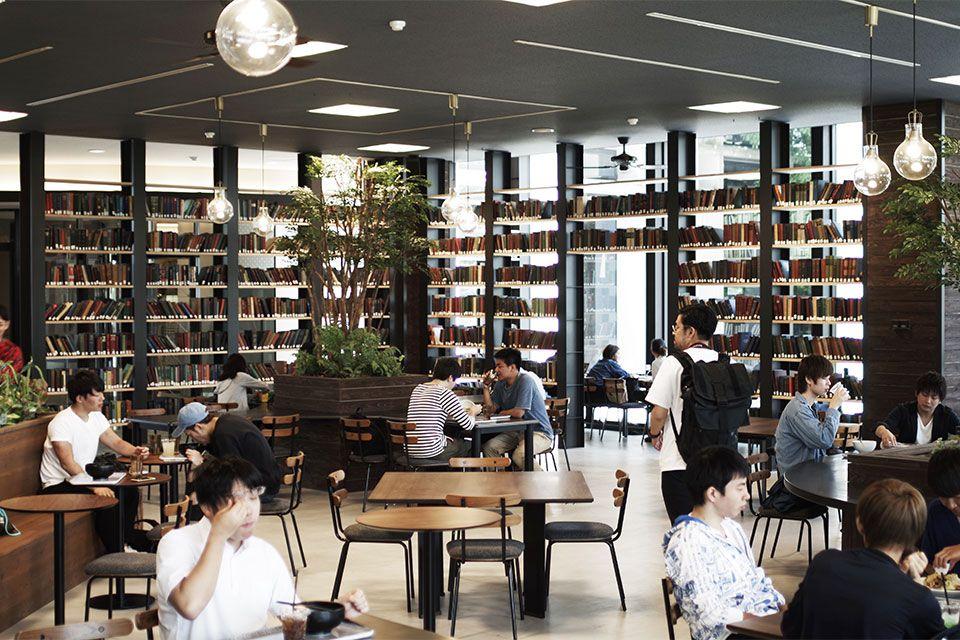 Eight Design 愛知県日進市の名古屋商科大学内にオープンした学食カフェ Sora Cafe 名古屋商科大学 の店舗デザイン 店舗デザイン ブックカフェ デザイン
