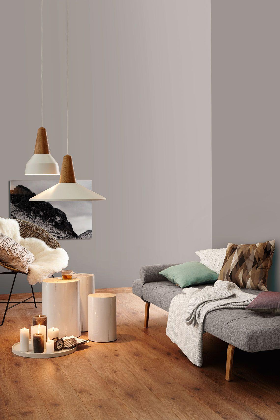 Gemutliche Sitzecke Mit Sofa Und Sessel Vor Wand In My Colour My Basalt Schoner Wohnen Wandfarbe Wohnen