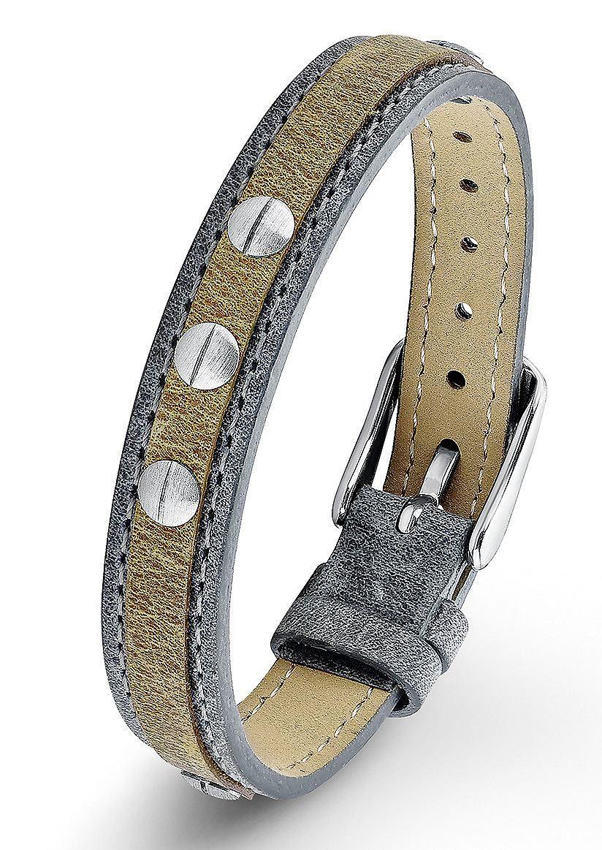 Armband, s.Oliver Junior, »SOK156/1«. Dieses trendige Armband aus blauem und hellbraunem Leder ist mit massivem, mattiertem Edelstahl kombiniert. Die Nieten sorgen für einen coolen Touch. Die Gesamtlänge beträgt ca. 21 cm und die tragbare Länge kann, durch die Dornschließe, von ca. 15,4 cm bis ca. 19 cm eingestellt werden. Die Breite beträt ca. 10 mm.  Lieferung in einer s.Oliver-Verpackung....