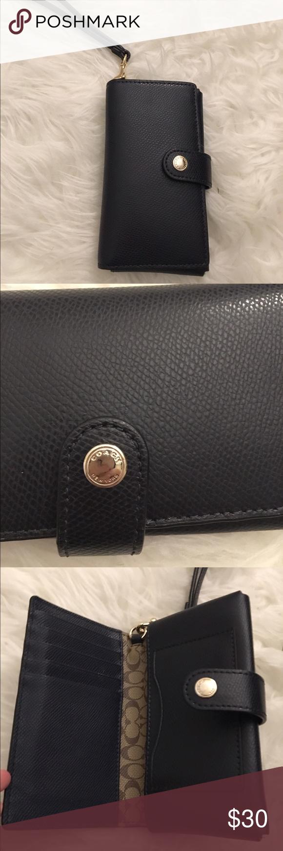 Genuine Navy blue leather coach wristlet/wallet Cute, gently used Coach wallet/wristlet Coach Bags Wallets
