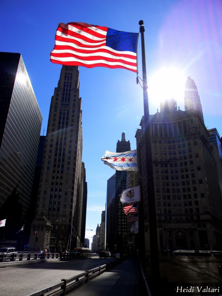 Chicago | Magnificent Mile and the flags on a sunny winter day