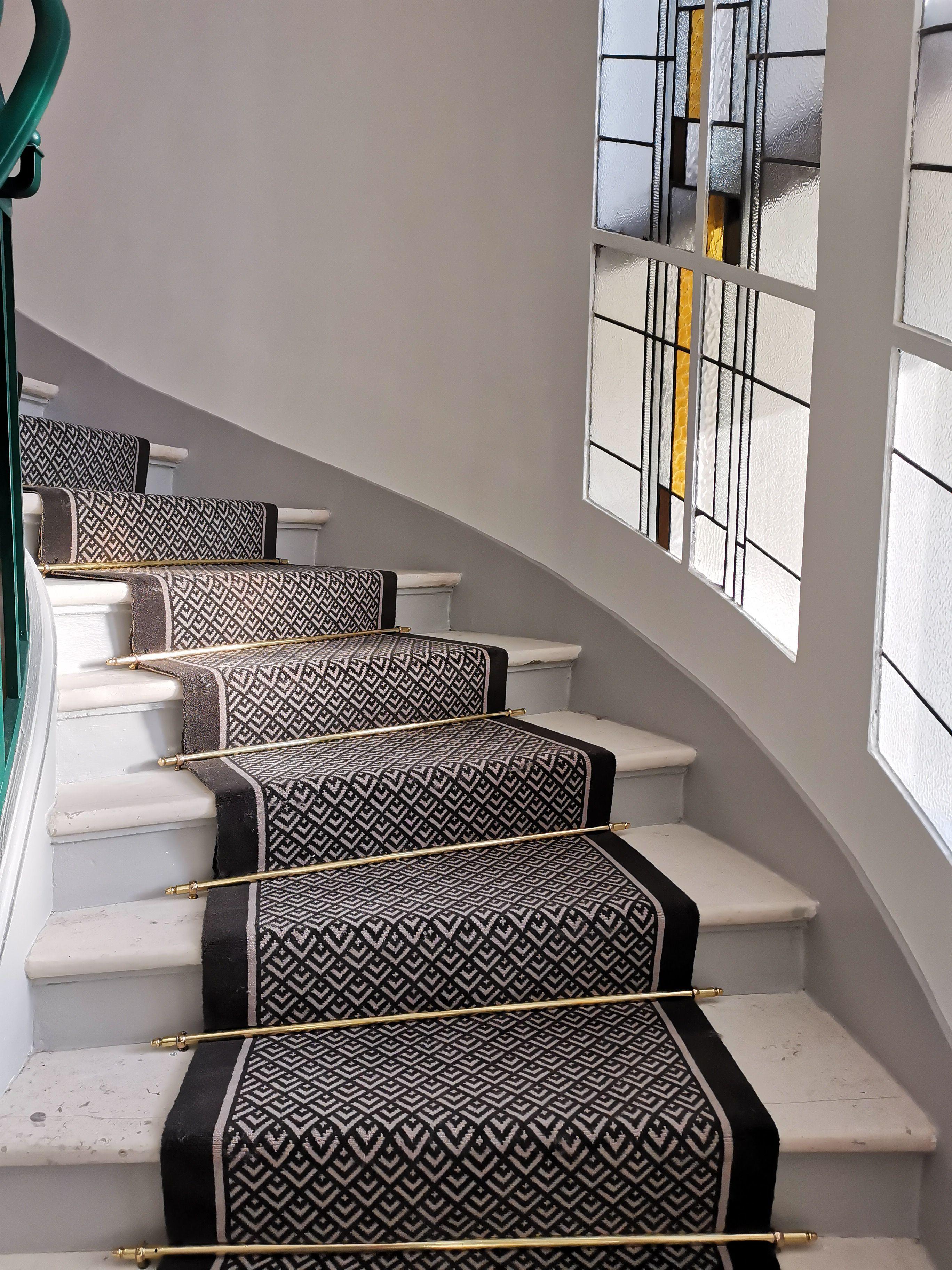 epingle sur tapis d escalier dmt
