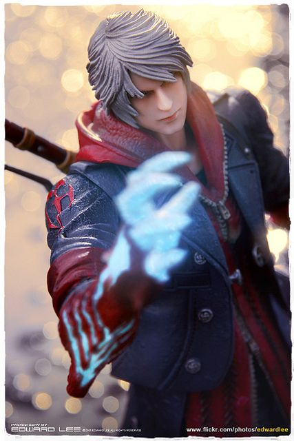 Devil May Cry 4 Play Arts Kai : NERO by EdwardLee's collection, via Flickr
