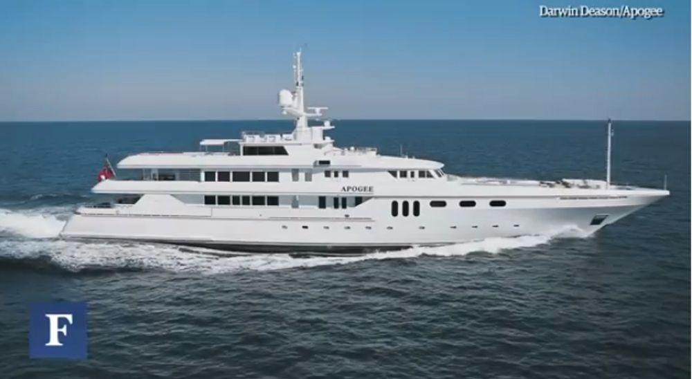 inside a billionaires 205 ft mega yacht oodlesbid com yachts rh pinterest com