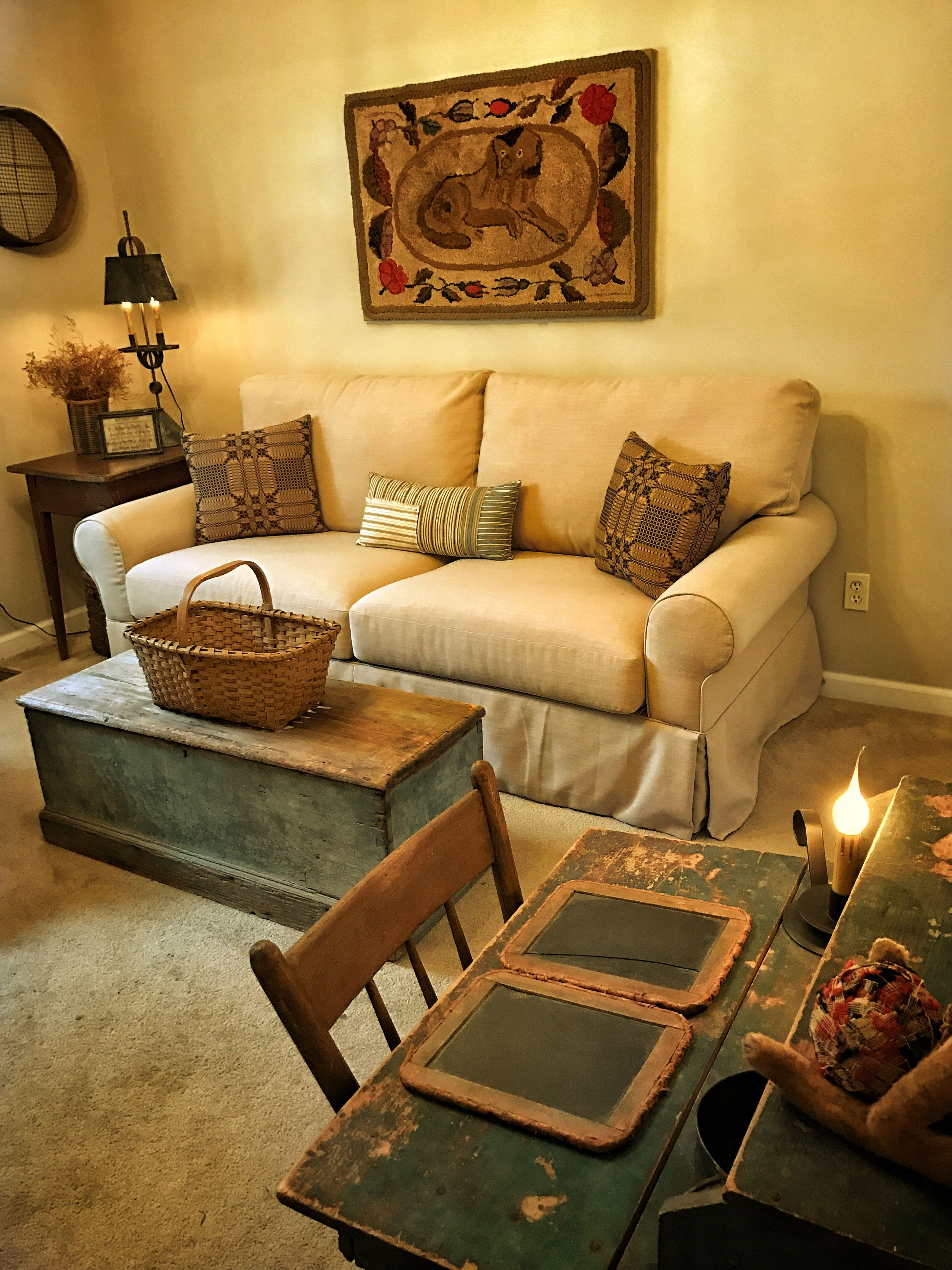 Early Hooked Rug With Dog Decorating Ideas Furniture Dishes