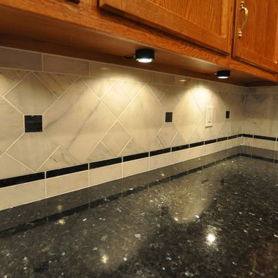 Decorative Pencil Tile Entrancing Diagonal Tile With Decorative Insertspencil Edge Detail With Decorating Inspiration