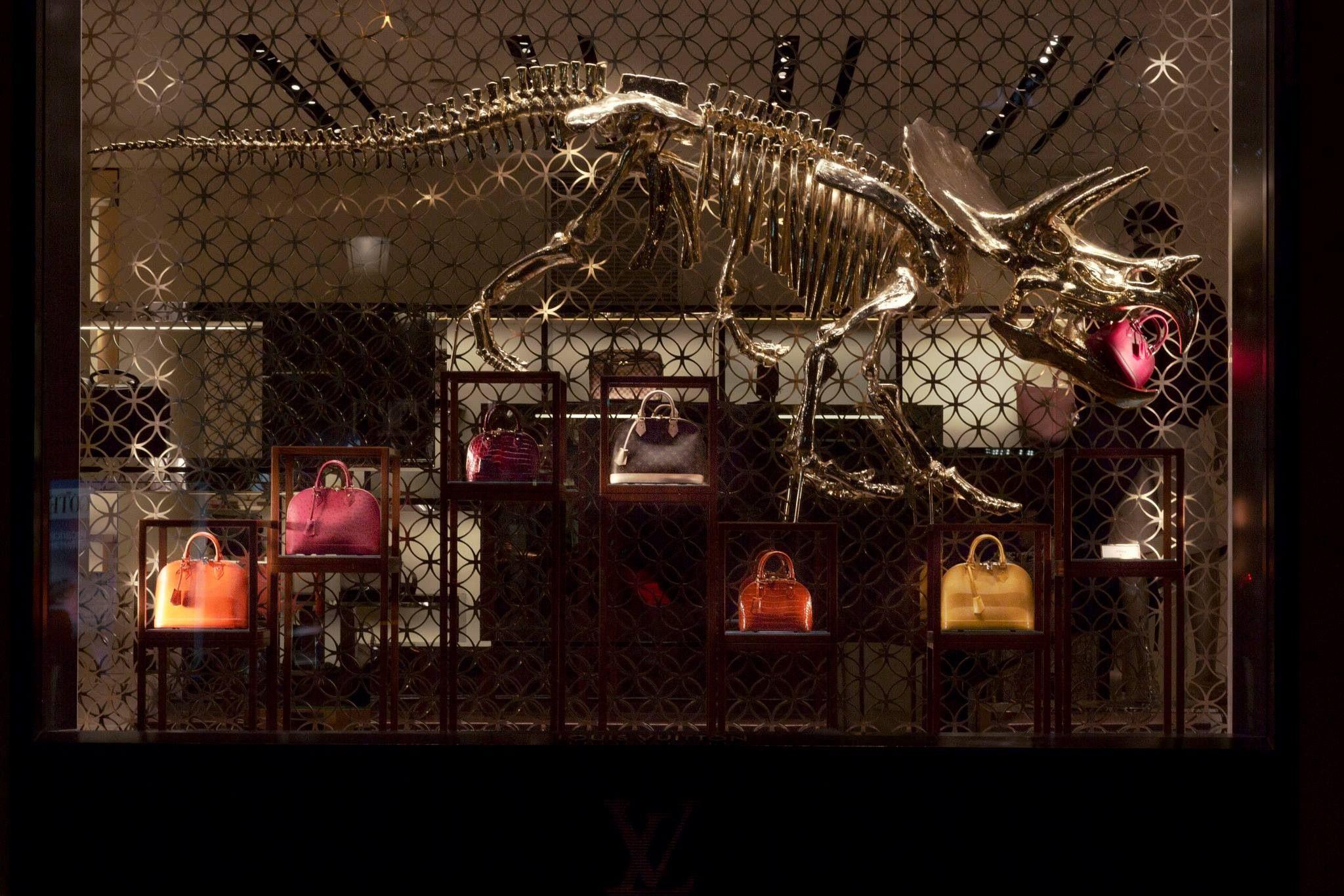 Louis Vuitton Dinosaur Windows at Champs-élysées store ...