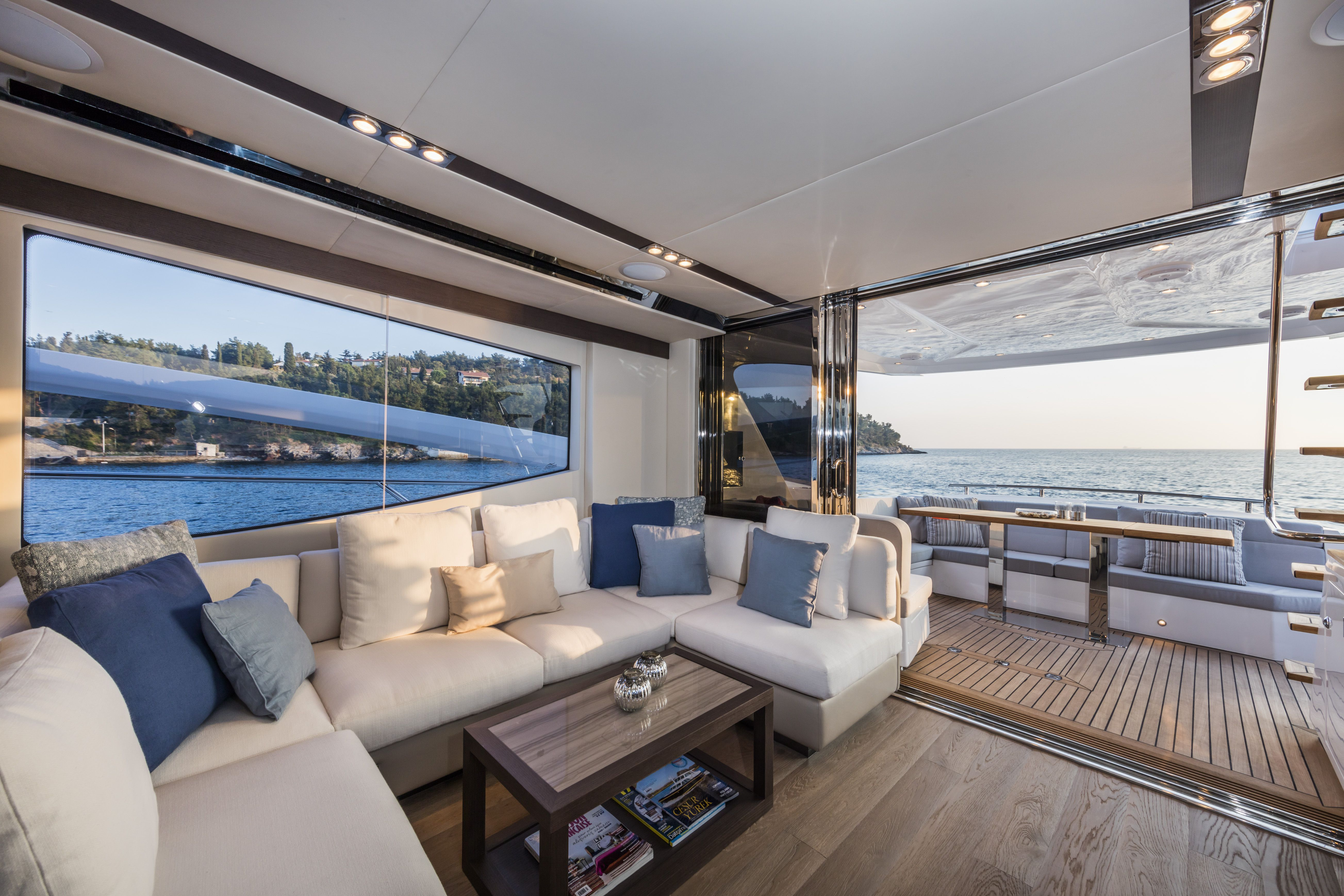 Numarine 60 Flybridge World Debut In Miami 2016