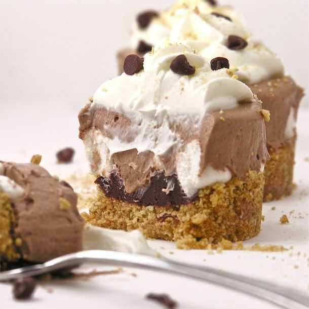 Frozen S'mores Cups - but with marshmellow fluff!