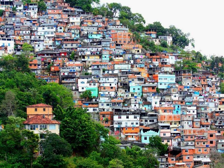 A stay in a Rio de Janeiro favela is a great alternative for those looking to get off the beaten track.