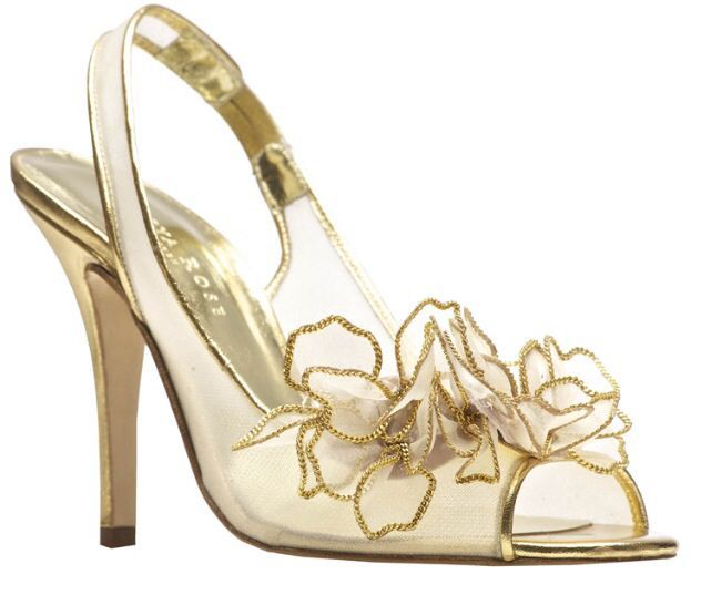 gold wedding shoes | Elegant gold shoes
