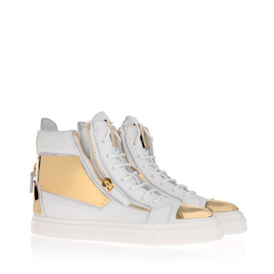 love this white metallic gz sneakers