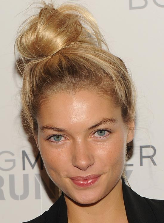 how to make a bun with short hair without pins