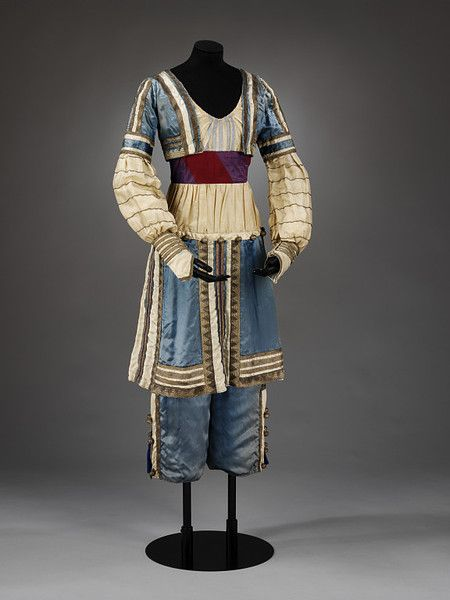 Theatre costume        Date:        1912 (made)      Artist/Maker:        Bakst, Leon, born 1866 - died 1924 (costume designer)      Materials and Techniques:        Silk and chiffon      Museum number:        S.5434-2009