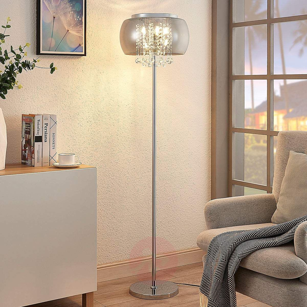 lampy wąskie długie stojące