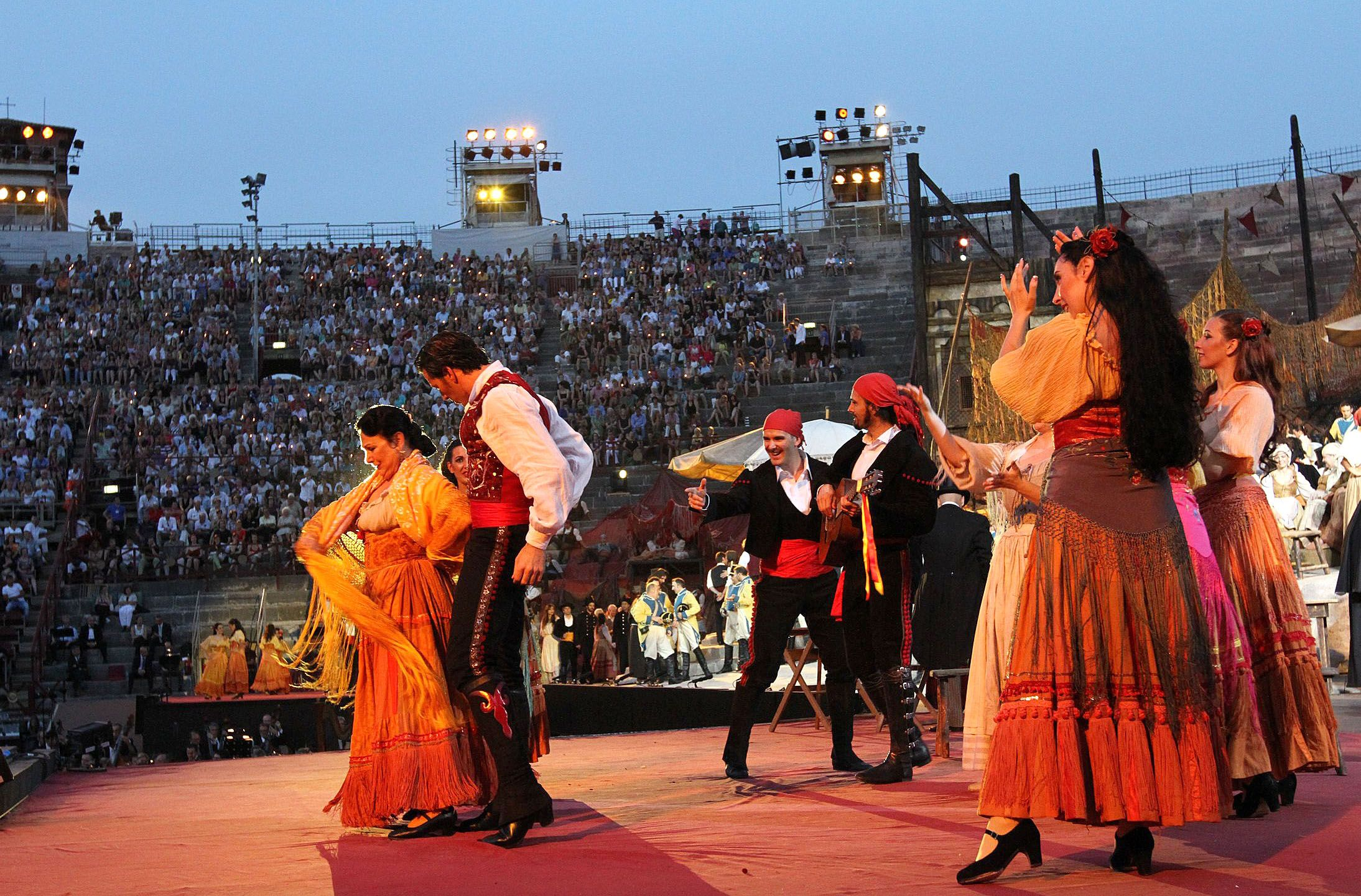 Carmen, Dramma lirico in 4 acts by Georges Bizet. Libretto ...