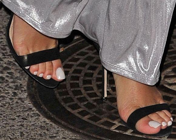 Rihanna Toes: Manos, Pies Y Make-up