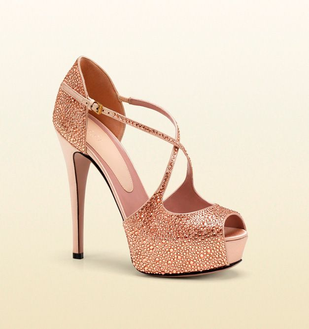 gucci lili crystal pumps high heels palace pinterest gucci pumps and crystals. Black Bedroom Furniture Sets. Home Design Ideas