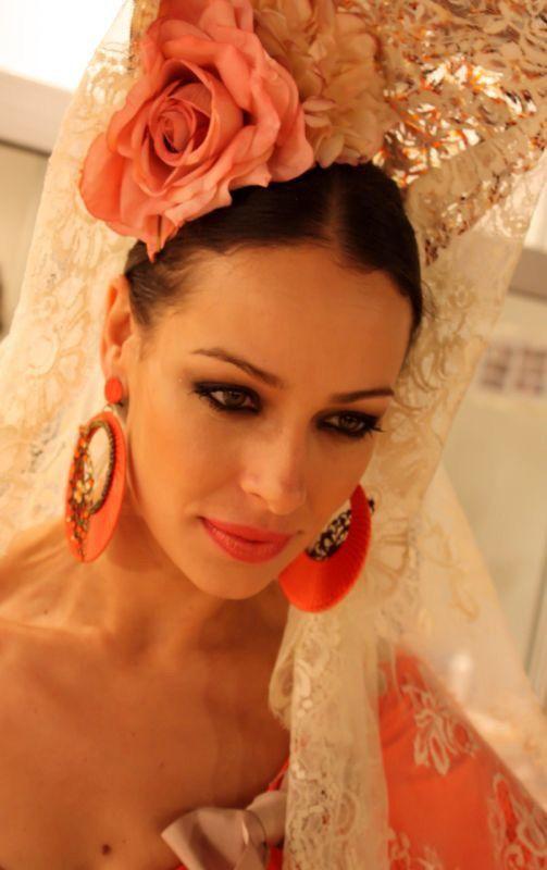 Más notable peinados de gitana Imagen de cortes de pelo estilo - Peinado flamenca, Disfraz de flamenco, Peinado corona de ...