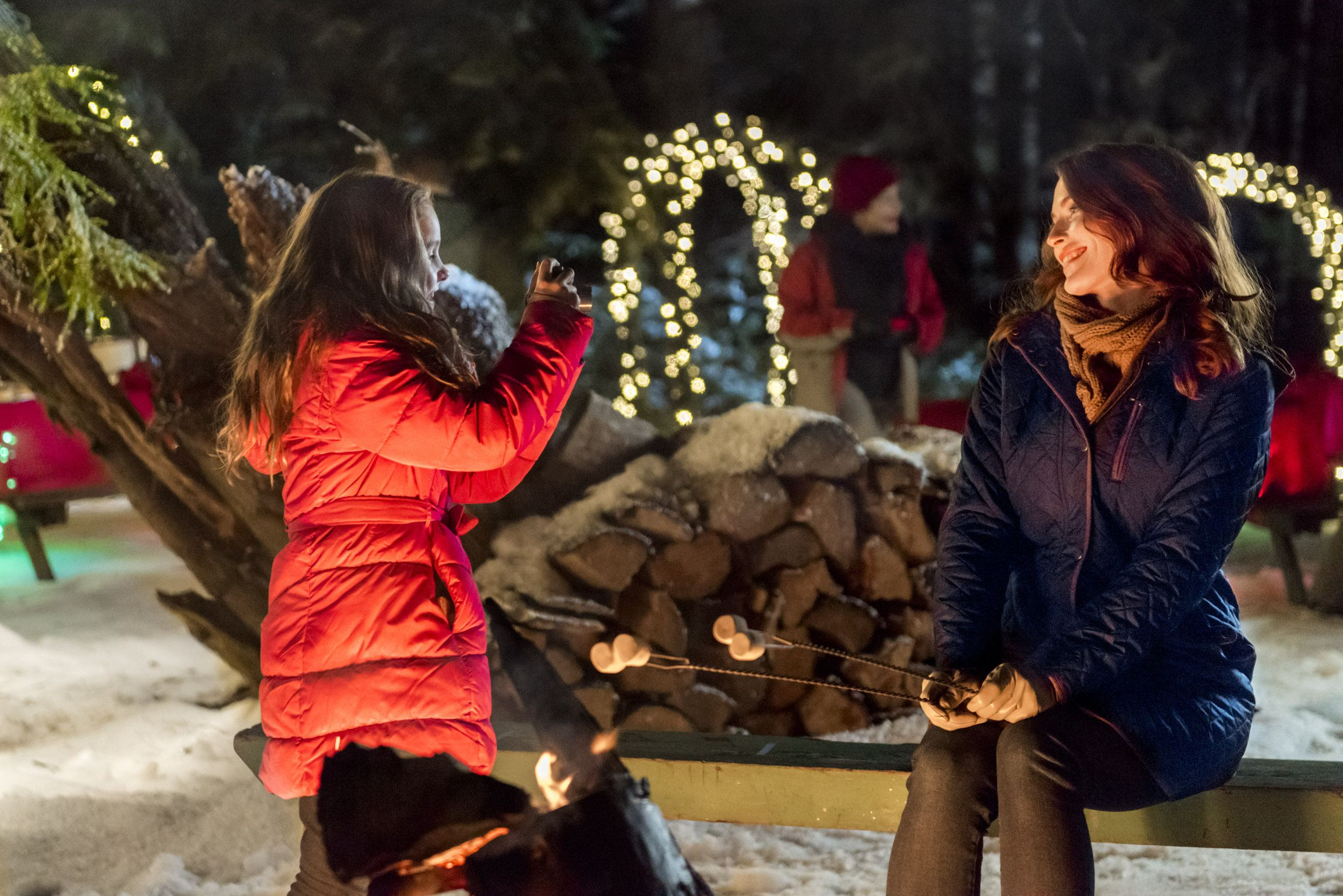 Hallmark Christmas Getaway Cast.Check Out Photos From The Hallmark Channel Original Movie