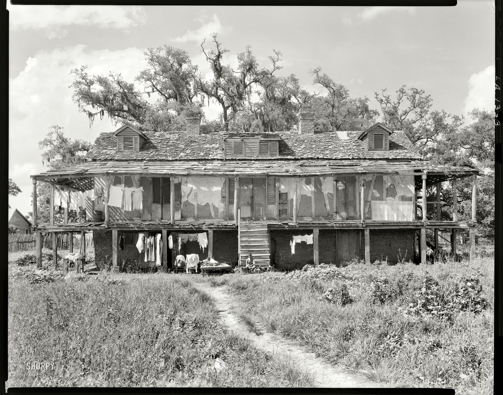 Abandoned plantations louisiana trepagnier house st for Old black and white photos for sale