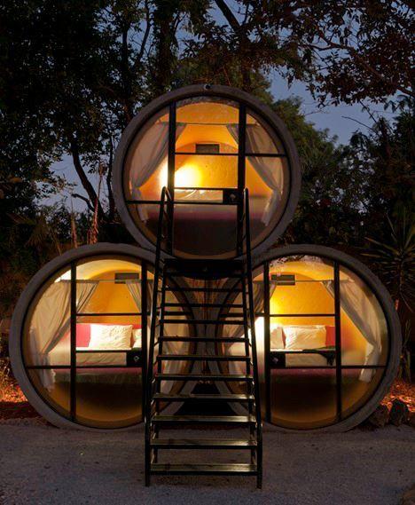 Un hotel elaborado con tubos de hormigón reciclados, acogedor y romántico! Sierra de Tepozteco, México.