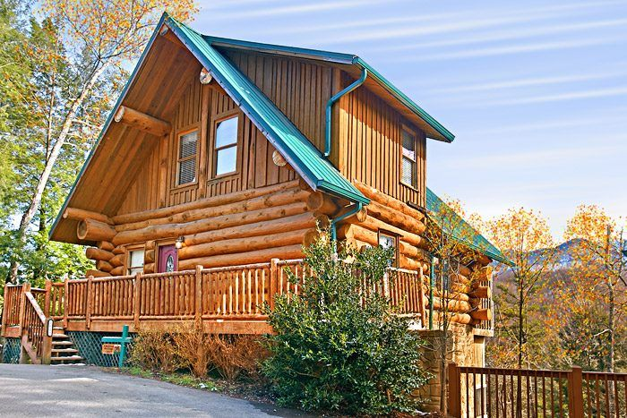 American Heritage Pigeon 4 Bedroom Cabin With Smoky
