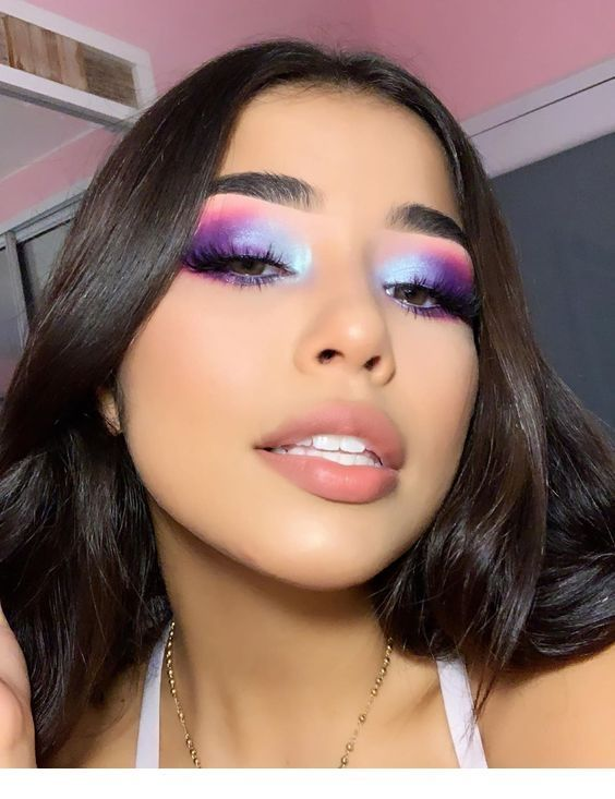 35 Stunning Pink Eye Makeup Looks To Copy This Year - Voguesimple - VOGUESIMPLE