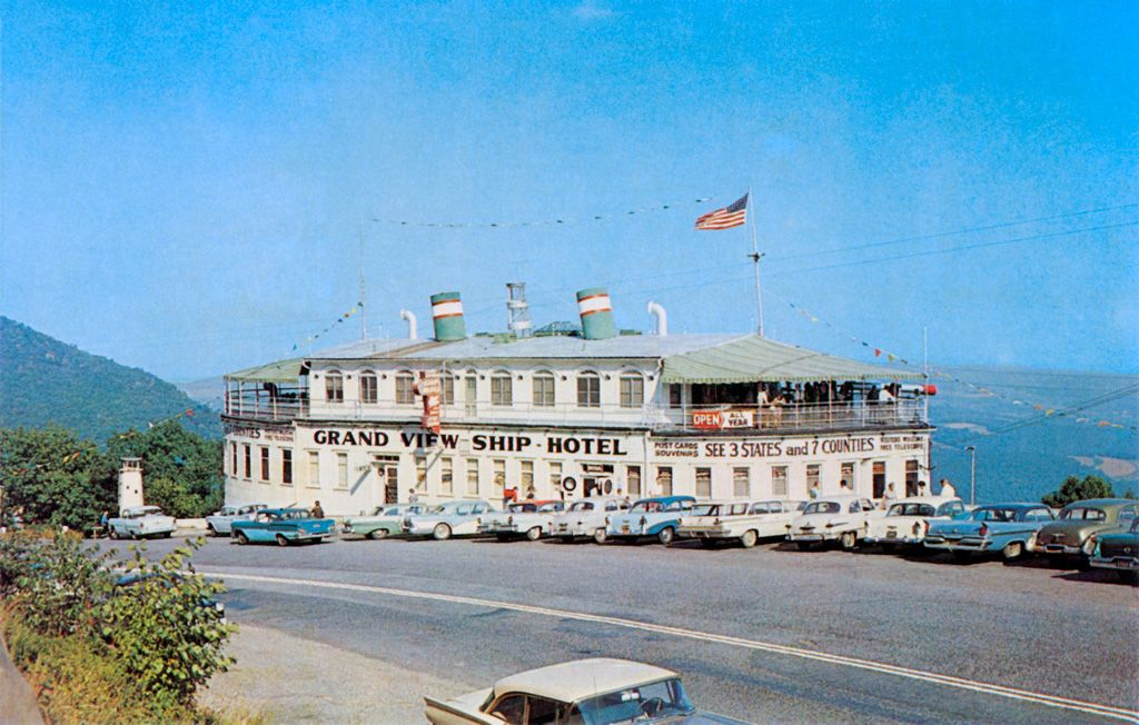 Vintage Postcard Of The Grand View Ship Hotel On Route 30 Near Johnstown Pa