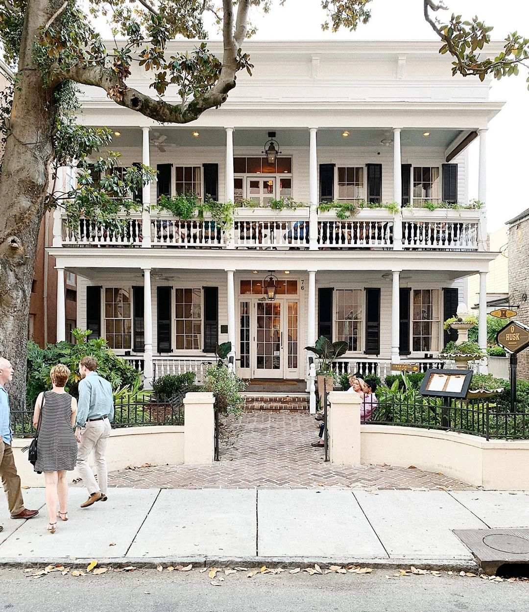 The Everygirl's Weekend Guide to Charleston, South Carolina