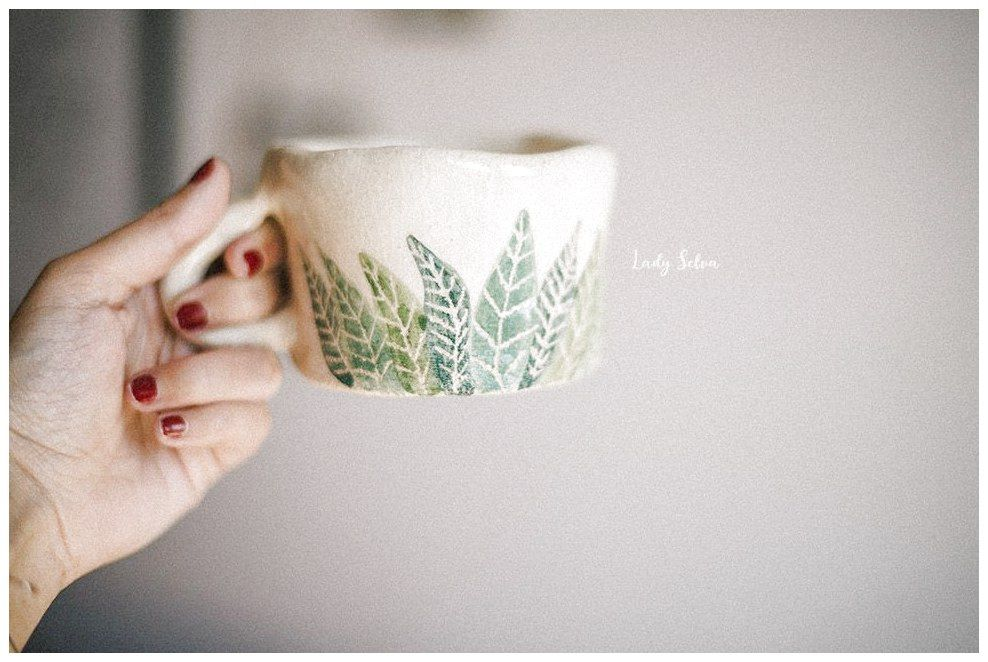 Lady Selva: Tazones r�sticos de gres, para personas que aprecian la belleza de lo imperfecto Lady Selva Mug Ceramic Pottery cup ceramic Rustic Organic Ceramica lady selva Rustic ceramic Mug handmade Made with love Ooak Simple mug Leaves mug #ModernPottery click the image for more details. #tazasceramica