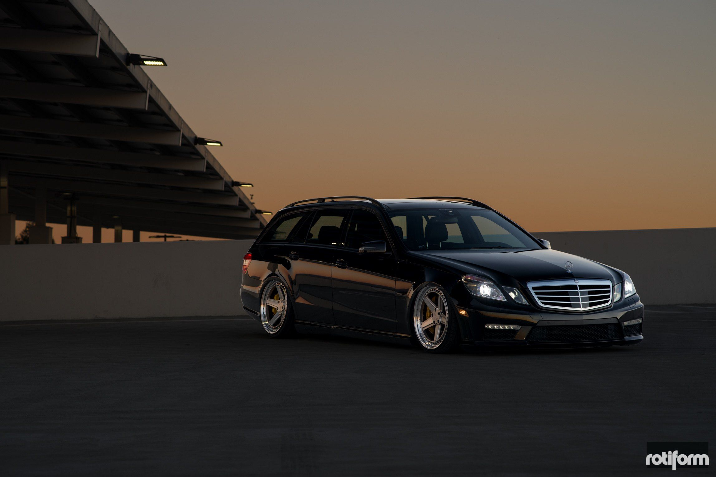 It S Wagon Time Slammed Mercedes E Class Wagon Sitting On Rotiform Rims Rotiform Rotiform Wheels Merc Benz