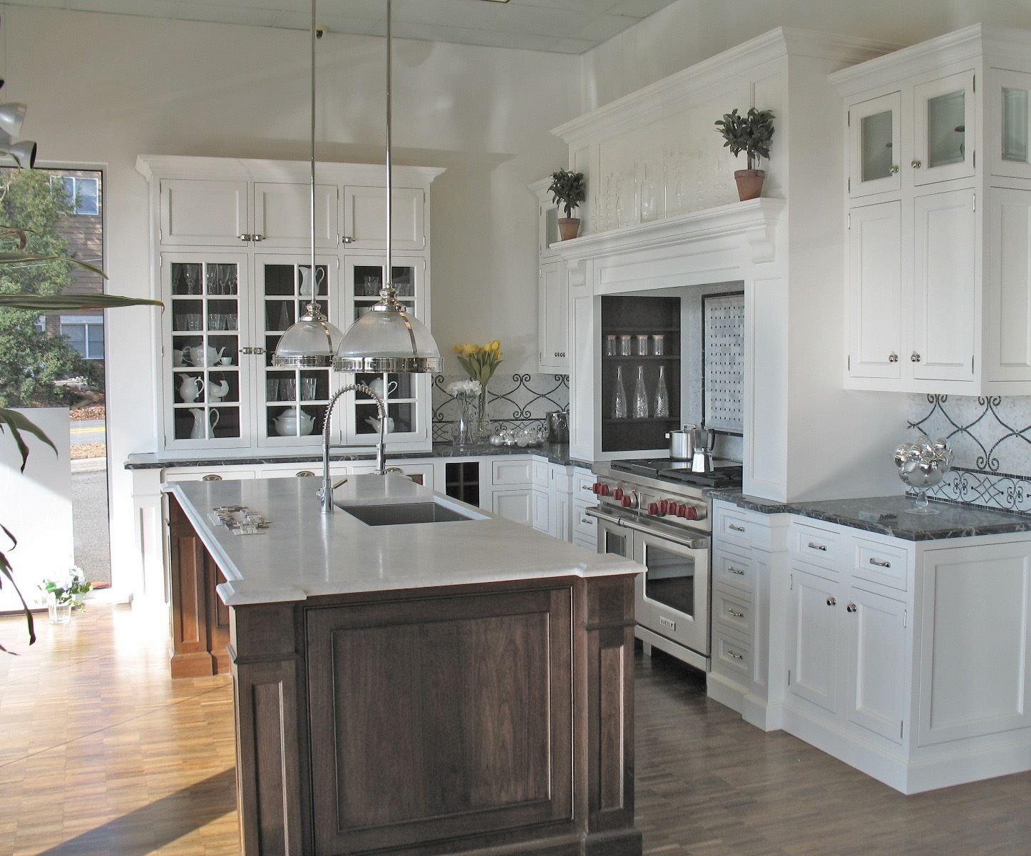 Modern Traditional Kitchen Cabinets Design Ideas Combination White Modern Interior Design