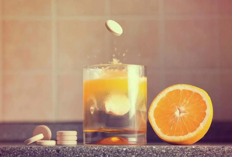 فوائد شرب فيتامين سي الفوار يوميا لا تضاهى Vitamins Vitamin C Vitamin C Tablets