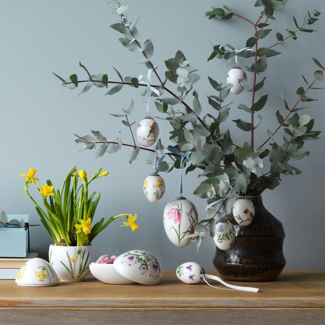 """591 likerklikk, 5 kommentarer – Royal Design (@royaldesign) på Instagram: """"Happy Easter everyone🐥 Here's some beautiful inspiration from Royal Copenhagen.  Do You like to…"""""""