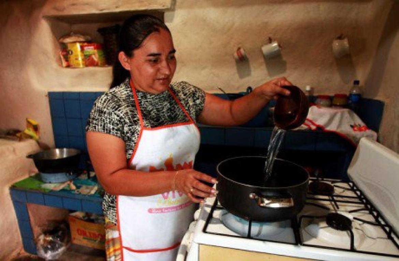 55% de las mujeres en #ALC no tiene ingresos propios o percibe menos de un salario mínimo @cepal_onu @pnud