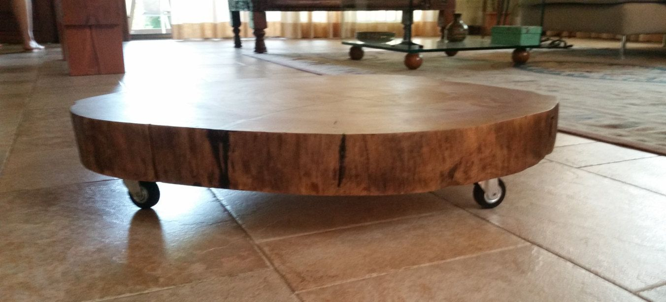 Ceppo Di Legno Tavolino mahogany coffee table made entirely by hand with casters and