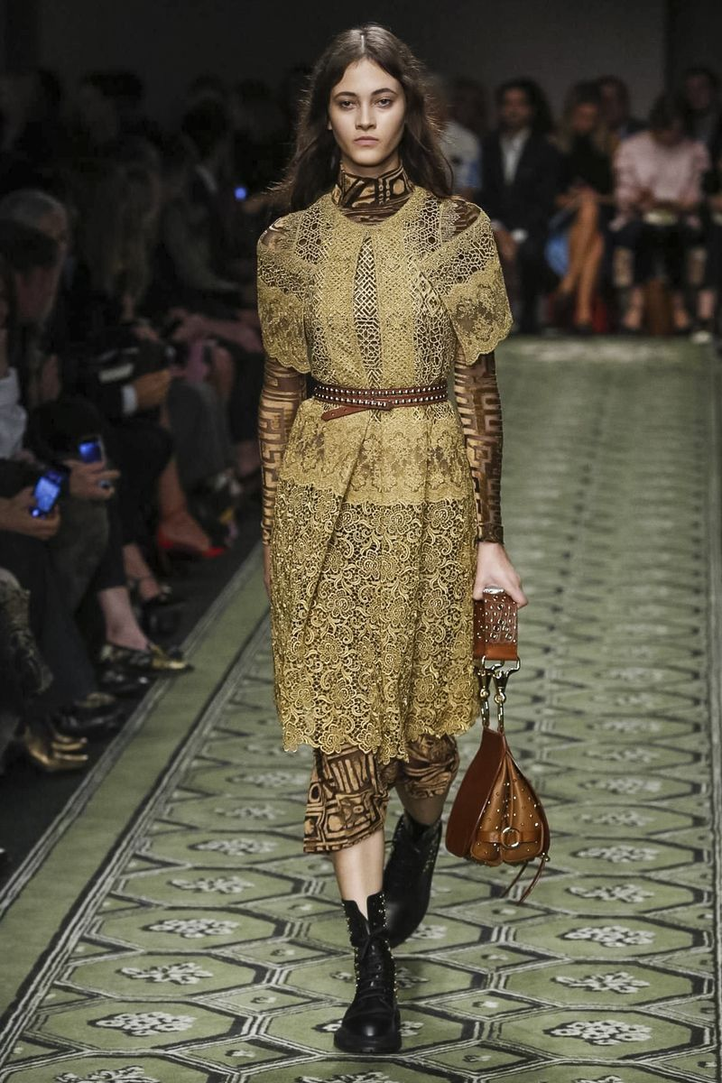 Burberry women fashion show ready to wear collection spring summer 2017 in london best of - Burberry fashion show ...