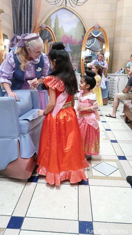 Bibbidi Bobbidi Boutique Review Helpful Tips Princess Costumes