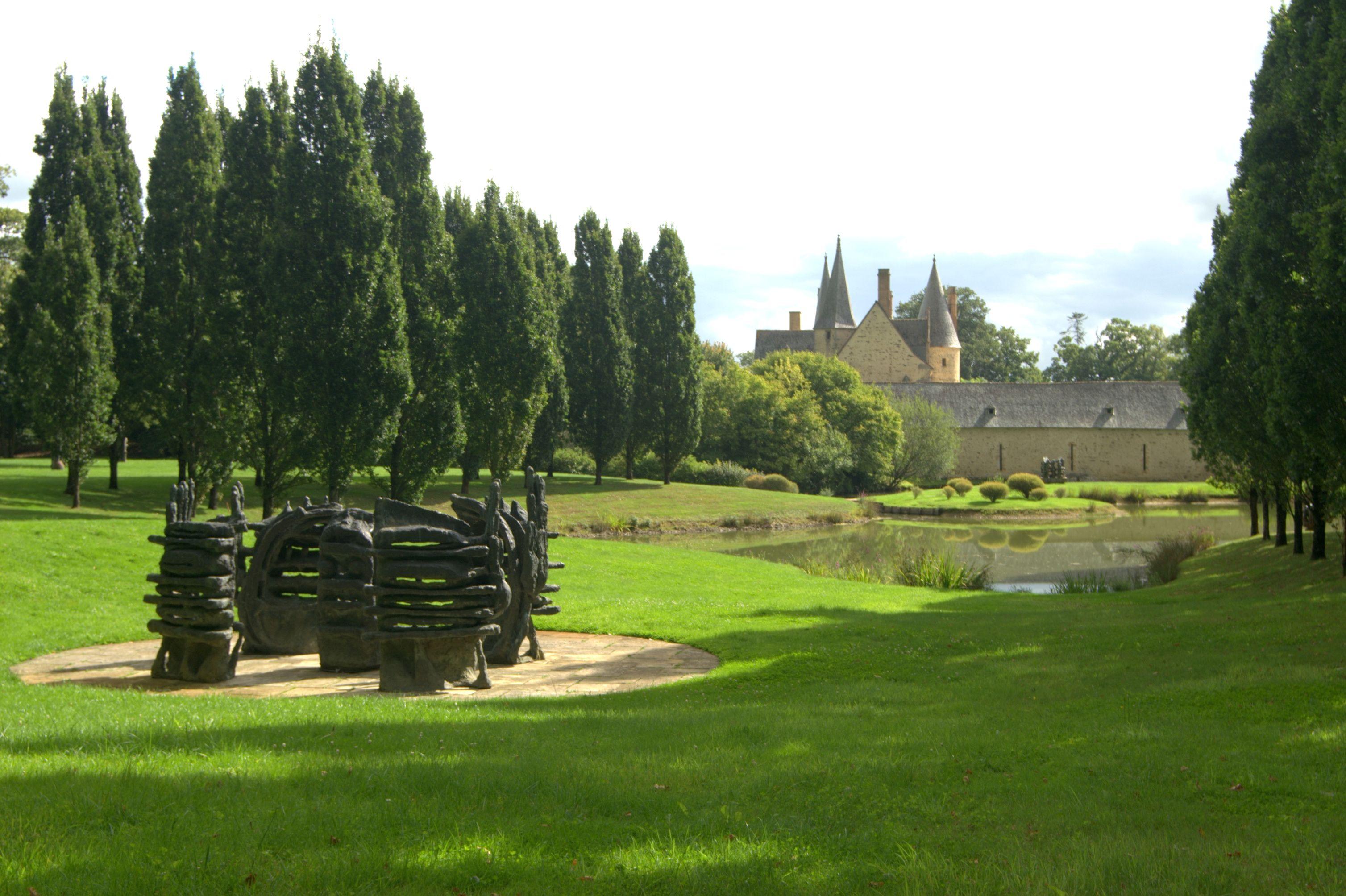 L Athanor Parc De Sculpture D Etienne Martin Label Jardin