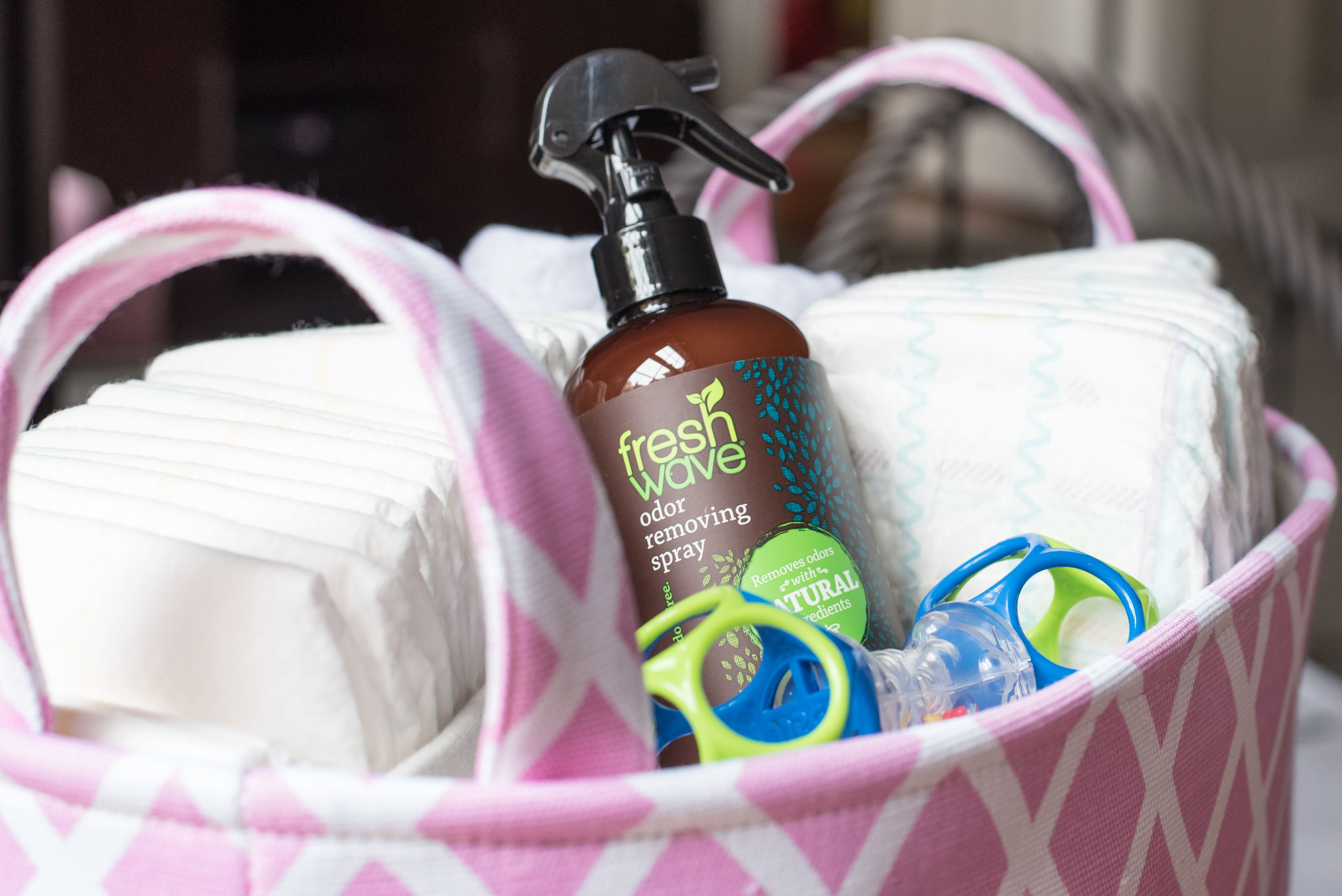 Fresh Wave products work not by masking smells with scents and perfumes, but by using water and natural plant extracts like lime, pine needle, aniseed, clove and cedarwood to actually remove odor molecules from the air.