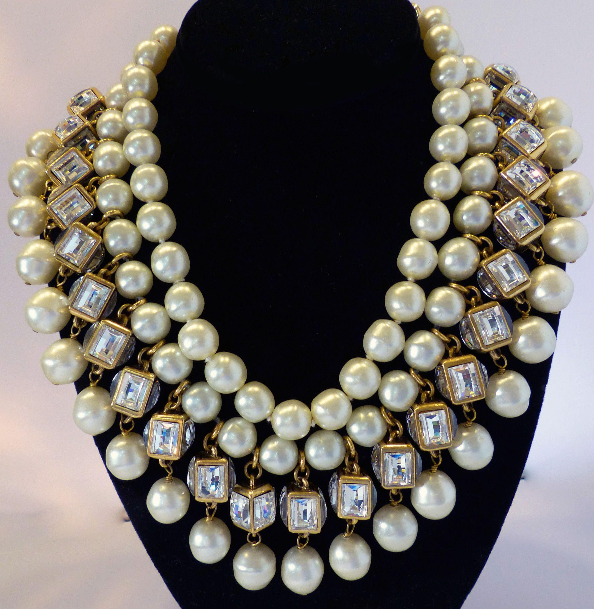 Vintage - Chanel - Collier  Plastron  - Perles Imitation ... 01958e88771
