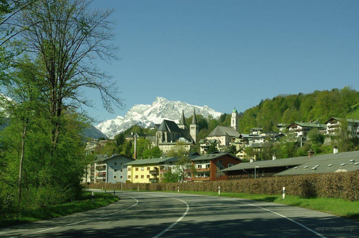 Blick auf Berchtesgaden mit Stifts- und Pfarrkirche