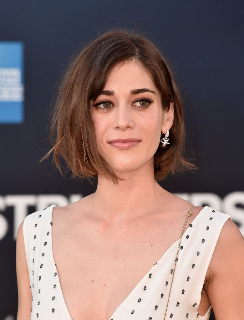 Lizzy caplan bob messy bob bobs and celebrity short hairstyles