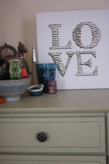 Info's : ..all you need is pushpins and a canvas! Could do names, initial, or even a silhouette.
