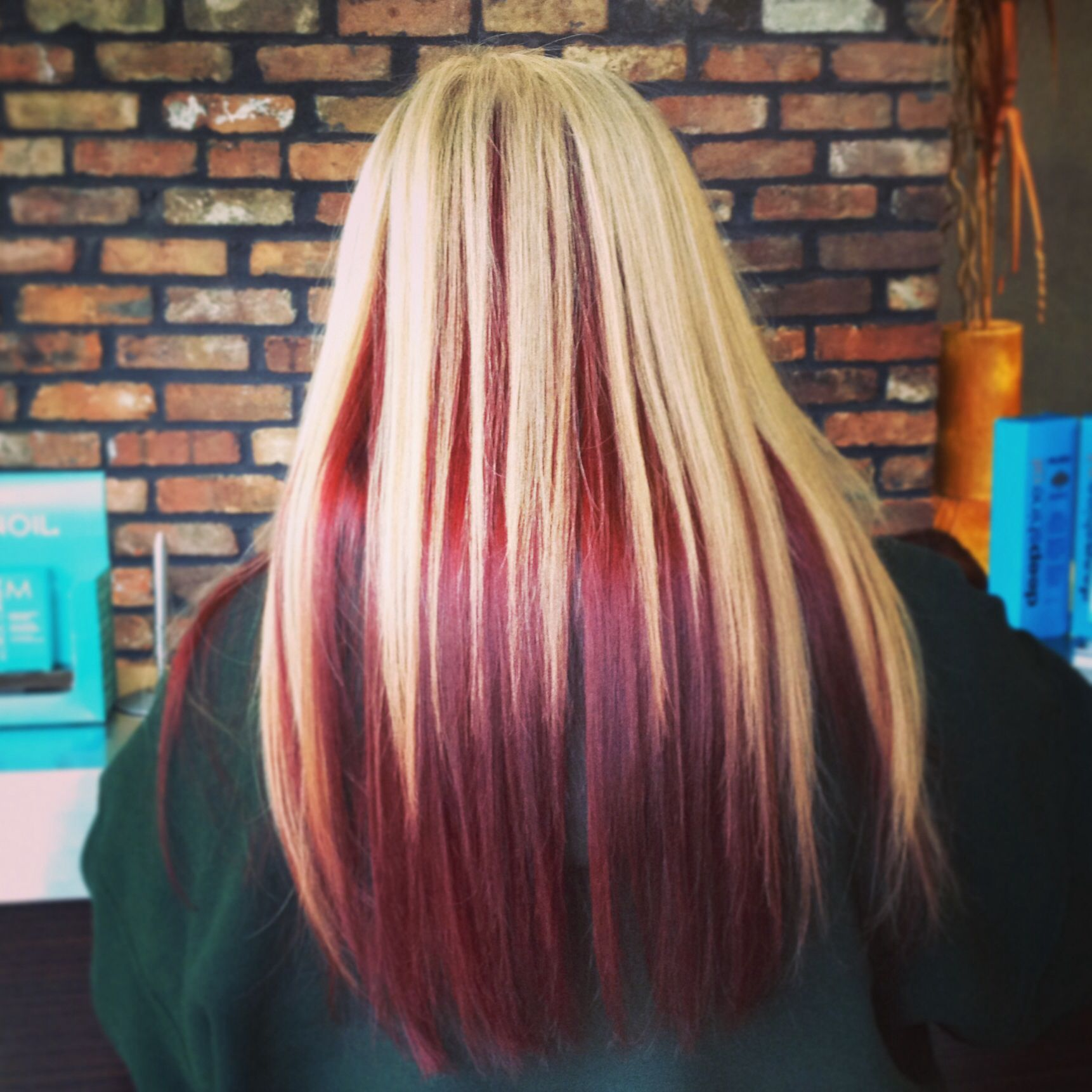 Light Blonde With Red Lowlights For Fall Rose Gold Hair Styles Hair Hair Color Rose Gold