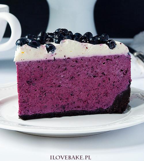 Blueberry Cheesecake with Oreo Crust (Polish Recipe) Link ricetta --> http://ilovebake.pl/2016/07/13/sernik-z-jagodami/#
